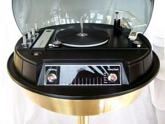 "the 1971 Electrohome Space Age Bubble Stereo ""CIRCA 711"""