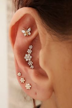 Tragus Ear Cuff, No piercing- ear cuff- Musical Note design, Gold Filled - Custom Jewelry Ideas Ear Jewelry, Cute Jewelry, Body Jewelry, Jewelry Accessories, Tragus Jewelry, Jewlery, Pretty Ear Piercings, Ear Peircings, Different Ear Piercings