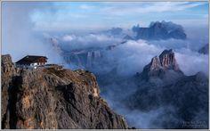 2752 m. Rifugio Lagazuoi Dolomiti   #TuscanyAgriturismoGiratola