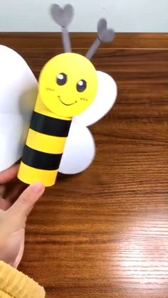 Hand Crafts For Kids, Animal Crafts For Kids, Diy Home Crafts, Craft Activities For Kids, Toddler Crafts, Preschool Crafts, Diy For Kids, Toilet Paper Crafts, Paper Crafts For Kids