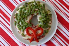Bagel wreath pizza