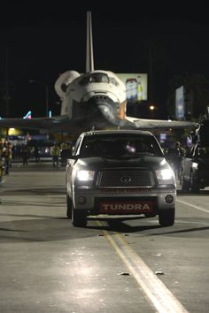 The Toyota #Tundra CrewMax towed the Space Shuttle Endeavour—a load of 292,000 lbs - to its new home in California.