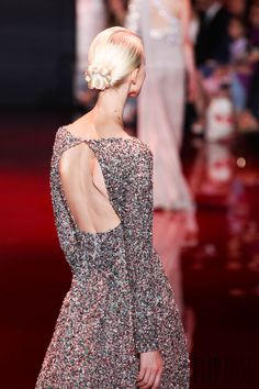 Elie Saab - Couture - Fall-winter 2013-2014 - http://www.flip-zone.net/fashion/couture-1/fashion-houses/elie-saab-3997 - ©PixelFormula