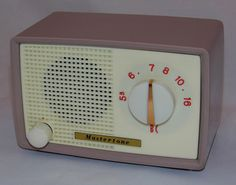 https://flic.kr/p/HNjfp1 | Vintage Mastertone Plastic Table Radio, AM Band Only, Approximately 7 Inches Wide, 5 Tubes, Made In Japan, Circa 1960s