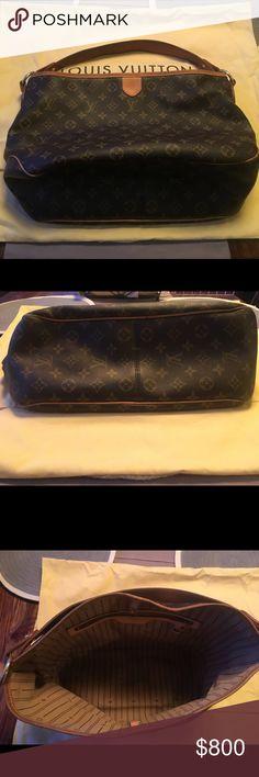 Louis Vuitton Delightful PM AUTHENTIC Louis Vuitton Delightful PM purse with dust bag. Used less than a year. Louis Vuitton Bags Shoulder Bags