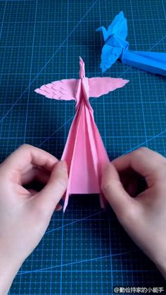 Cool Paper Crafts, Diy Paper, Fun Crafts, Instruções Origami, Paper Crafts Origami, Diy Crafts Hacks, Diy Crafts For Gifts, Art Drawings For Kids, Origami Tutorial