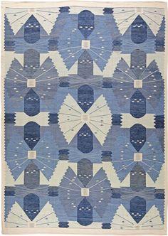A Swedish Rug N11110  Size: 14' x 10'  A Swedish design flat weave rug hand knotted wool
