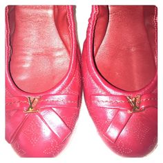 Louis Vuitton Elba Flat Ballerina Color: 19Grenat (dark red) true to size, will fit if you wear a size 6.5/7. I've worn this only 3 or 4 times, leather is perfect, sole has signs of wear. Still in great condition! Louis Vuitton Shoes Flats & Loafers
