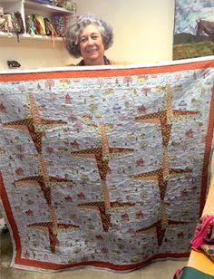 Manta de sofá feita pela Antonia nas aulas da Deolinda Moraes