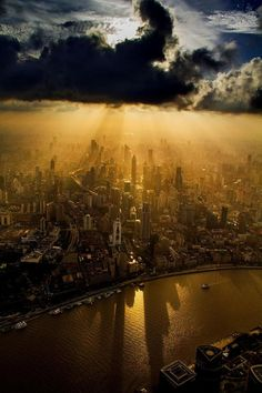 crane operator aerial shanghai photos wei gensheng 2 620x930 Breathtaking Aerial Photography