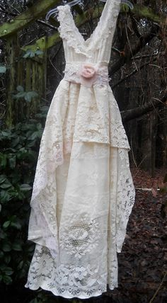 Cream lace dress vintage rose baby doll wedding bridesmaid romantic small by vintage opulence on Ets Vintage Rosen, Boho Vintage, Etsy Vintage, Vintage Pink, Vestidos Vintage, Vintage Dresses, Vintage Outfits, Boho Wedding, Wedding Gowns