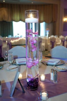Submerged flowers with floating candles for centerpieces Beach Theme Centerpieces, Floating Candle Centerpieces, Flower Centerpieces, Wedding Decorations, Table Decorations, Hops Wedding, Plan My Wedding, Wedding Stuff, Dream Wedding