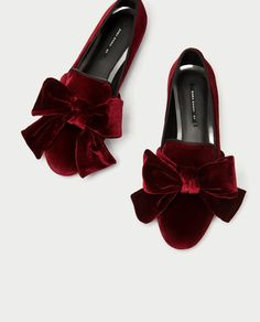 Image 1 of VELVET LOAFERS WITH BOW from Zara