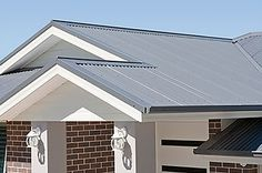 Rapid Flow Roofing is Your Metal Roofing Geelong Specialists. Re-roof, Roof Replacement, New Metal Roof, Roof Repairs · Roofing Professionals · Free Quotes White Exterior Houses, Grey Exterior, House Paint Exterior, Building Exterior, Exterior House Colors, Building A House, Facade House, House Roof, Front View Of House