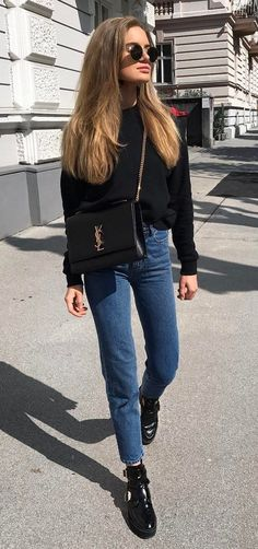 trendy outfit sweatshirt + bag + jeans