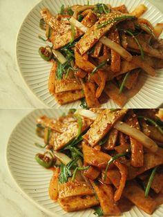 Vegetable Seasoning, Korean Food, Food Plating, Kung Pao Chicken, Japchae, Pork, Food And Drink, Cooking Recipes, Asian