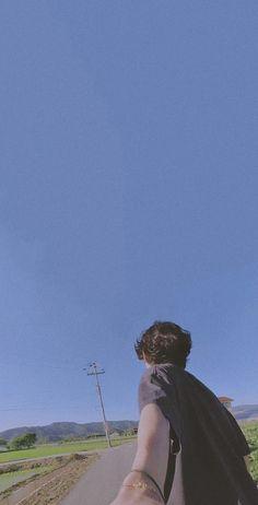 Theo Theo, Bts Kim, Taehyung Selca, Taehyung Photoshoot, Bts Aesthetic Wallpaper For Phone, V Bts Wallpaper, Foto Baby, Bts Aesthetic Pictures, Foto Jungkook