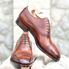 #Outlet #handwelted #Decurion a #captoe balmoral shoe made with hand antiqued #cornelia #vintage. 40 #boxcalf made on Argentum chisel 2 last last.Available on my website Meccarielloshoes.it in size 8 E uk