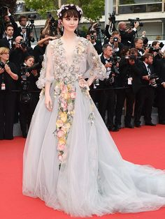 Cannes 2015: Meet Fan Bingbing, the Biggest Fashion Risk-Taker at the Festival http://stylenews.peoplestylewatch.com/2015/05/14/cannes-film-festival-fan-bingbing-red-carpet-style/