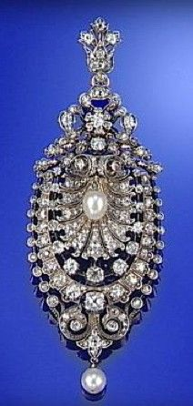 PEARL AND DIAMOND BROOCH/PENDANT, CIRCA 1890  just pretty, not really my style, but I like pins