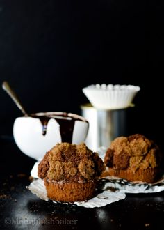 Double truffle gingerbread cupcakes with honey ginger and frosting chocolate sauce