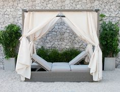 Renava Marin Outdoor Canopy Sunbed - ModLivingDecor.Com