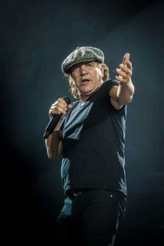 Brian Rock And Roll Bands, Rock N Roll, Brian Johnson Acdc, Ac Dc Rock, Bon Scott, Legendary Singers, Angus Young, Greatest Rock Bands, Rock Legends