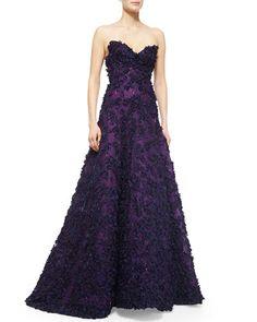 ONLY $16,990 pre-ordered. W06CQ Oscar de la Renta Strapless Sweetheart Floral Applique Gown