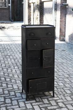 Ladenkast zwart new vintage industrieel.