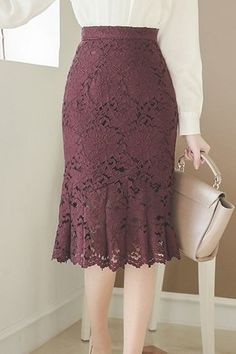 Women - Antique Pleated Lace Skirt The Effective Pictures We Offer You About outfits for women A quality p - Lace Skirt Outfits, Pencil Skirt Outfits, Dress Skirt, Long Lace Skirt, White Lace Skirt, Lace Maxi, Sleeves Designs For Dresses, Latest African Fashion Dresses, Skirt Patterns Sewing