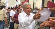"""Andrés Manuel López Obrador acudió este día al Monumento a la Revolución en la Ciudad de México para firmar el Acuerdo de Unidad por la Prosperidad del Pueblo y el Renacimiento de México, donde refrendó su compromiso por """"una nueva forma de vida y de Gobierno""""."""