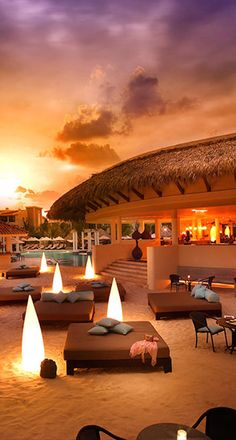 The Gabi Club at the Paradisus Punta Cana Resort in the #DominicanRepublic • photo: Barry Grossman | #November #Honeymoon #Destinations