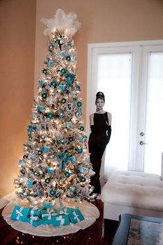 breakfast at tiffanys christmas tree - Tiffany Blue Christmas Ornaments
