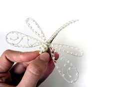 Blanco boda postizo - gran perla Dragonfly - Clip, Pin, decoración de Bouquet, broche