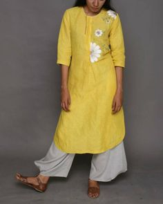 Description: It is a Hand Embroidered linen tunic with side slits. Length - Front : Back : Size Chart - These are garment measurements: XS - Chest : Embroidery On Kurtis, Kurti Embroidery Design, Embroidery Suits, Fabric Painting On Clothes, Painted Clothes, Kurti Neck Designs, Blouse Designs, Indian Designer Outfits, Designer Dresses