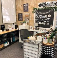 Middle School Classroom, Classroom Setup, Classroom Design, Future Classroom, Classroom Organization, Classroom Reading Nook, Classroom Arrangement, Eyfs Classroom, Classroom Board