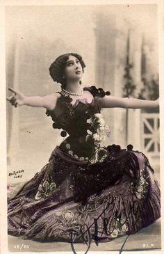 "POM POMS!!! Carolina ""La Belle"" Otero  http://ornamentedbeing.tumblr.com/search/edwardian/page/3"