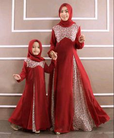 42 images of Beautiful Hijab Girls With Their Cute Kids… Abaya Fashion, Modest Fashion, Girl Fashion, Fashion Outfits, Abaya Style, Beautiful Hijab Girl, Moslem Fashion, Mother Daughter Fashion, Dress Anak