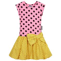 Teen girls pink and yellow polka dot dress by Moschino Kid-Teen, as seen in the main collection. The top is made in cotton jersey and the balloon skirt in cotton poplin. There is a large bow on the dropped waist, with black polka dot.