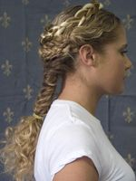Learn a New (Ancient) Hairstyle: Braid Like a Caryatid - Greece Is Roman Hairstyles, Long Bob Hairstyles, Unique Hairstyles, Braided Hairstyles, Hairstyle Braid, Fantasy Hairstyles, Female Hairstyles, Hairdos, Historical Hairstyles