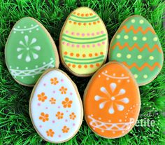 Easter Egg Ideas - Part 2 No Egg Cookies, Iced Sugar Cookies, Fancy Cookies, Easter Cookies, Cookies Et Biscuits, Holiday Cookies, Cupcake Cookies, Super Cookies, Easter Biscuits