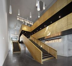 Einzigartiges Betondekor-Blumen-Theater in Saint-Nazaire von K-Architecture - Haus pin Saint Nazaire France, A As Architecture, Barn Renovation, Take The Stairs, Theatre Design, Signage Design, Commercial Interiors, Beautiful Buildings, Interior And Exterior