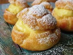 How to make Soft Puerto Rican Sweet Buns (Mallorca) Greek Sweets, Greek Desserts, French Desserts, Greek Recipes, Hungarian Desserts, Hungarian Recipes, Food Network Recipes, Food Processor Recipes, Cooking Recipes