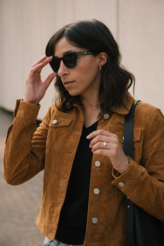 Brown suede jacket, fall jacket, black tote bag, ripped denim, fashion blogger, street style, randa salloum