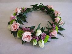 maybe a flower crown for Belle and Madison - Wedding Crown Floral Wedding, Wedding Flowers, Floral Headbands, Floral Crowns, Corsage Wedding, Hair Wreaths, Floral Headpiece, Crown Hairstyles, Floral Hair