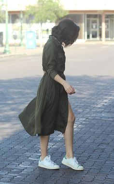 We took the trend-right midi length and paired it with the always-chic shirtdress silhouette | Banana Republic