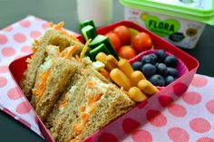 Struggling to get your kids to eat their school dinners, stuck for ideas for packed lunch? Check out 10 helpful lunchbox tips for vegan kids.