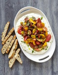 Best Tomato Recipes Best Whipped Herb Ricotta Summer Tomatoes Recipe - The Yellow Table - Nothing says summer like piling chopped tomatoes over milky whipped ricotta and mixing in some herbs. Summer Recipes, Healthy Dinner Recipes, Cooking Recipes, Easter Recipes, Ricotta Recipes Healthy, Herb Recipes, Salad Recipes, Master Chef, Appetizer Salads