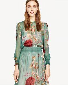 Image 2 of FLORAL PRINT FLOWING DRESS from Zara