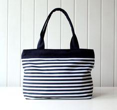 Hey Sailor.. Navy and White Stripes Tote Bag / Beach Bag van bayanhippo via http://nl.dawanda.com/